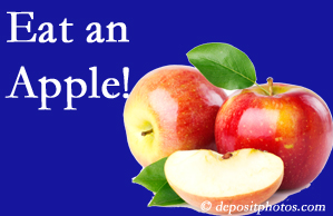 Severna Park chiropractic care recommends healthy diets full of fruits and veggies, so enjoy an apple the apple season!